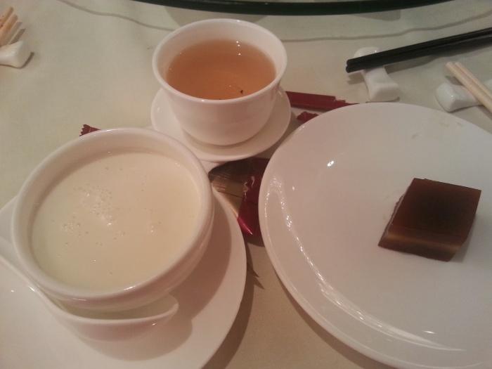 Must have desserts: 蛋白杏仁鮮奶 (left), 棗皇糕 (right)