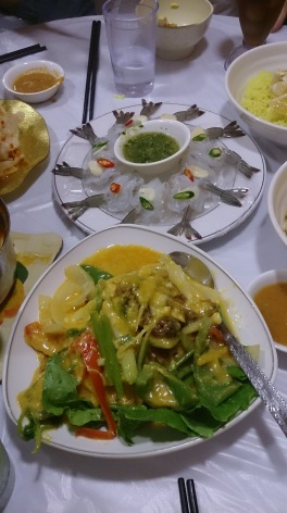 泰式生蝦(上)、黃咖喱牛肉(下)