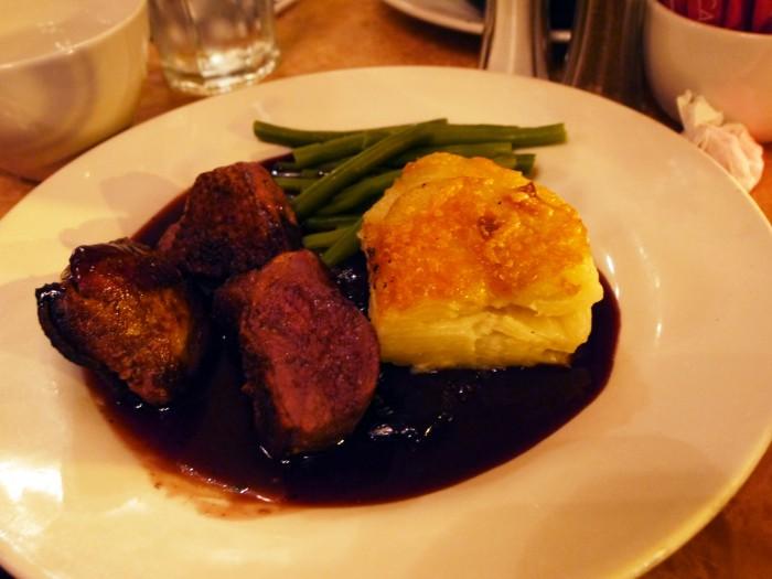 Café Rouge主打法國菜,半價後main course只是約6-7鎊