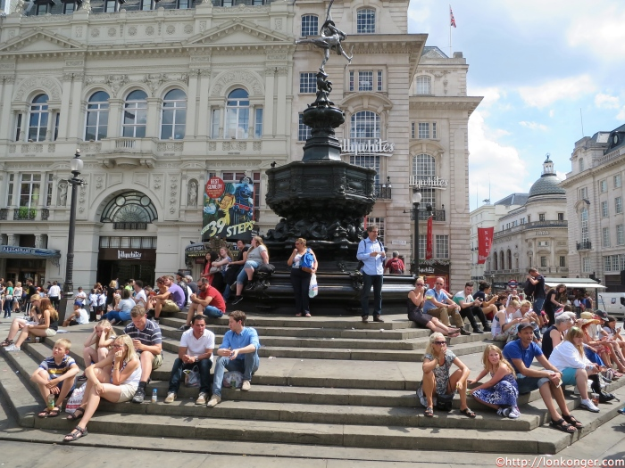 Piccadilly Circus 地標Shaftesbury Memorial Fountain
